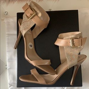 EUC Guess Taupe Rose Gold Snake Texture Ankle Heel